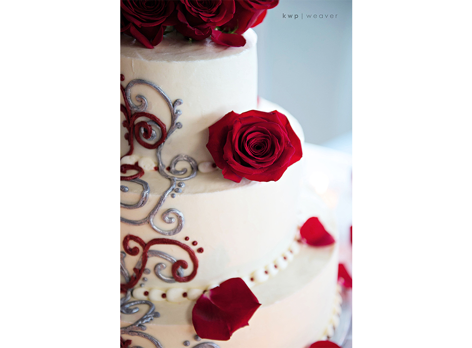 4 Rivers wedding cake