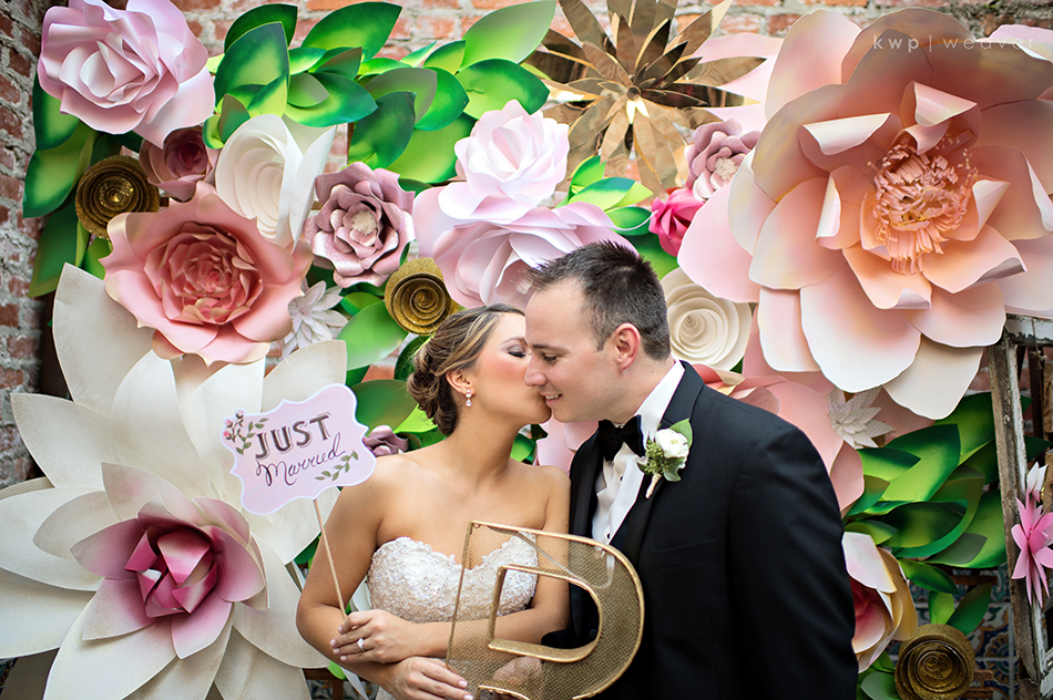 paper flowers photobooth background