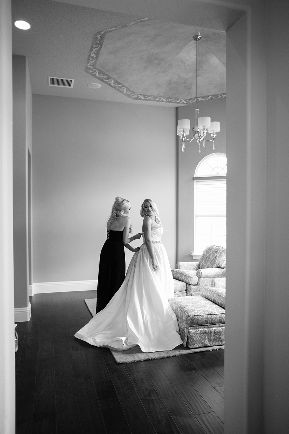 black and white bride photography