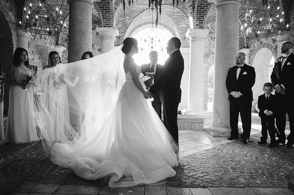 black and white bride and groom ceremony