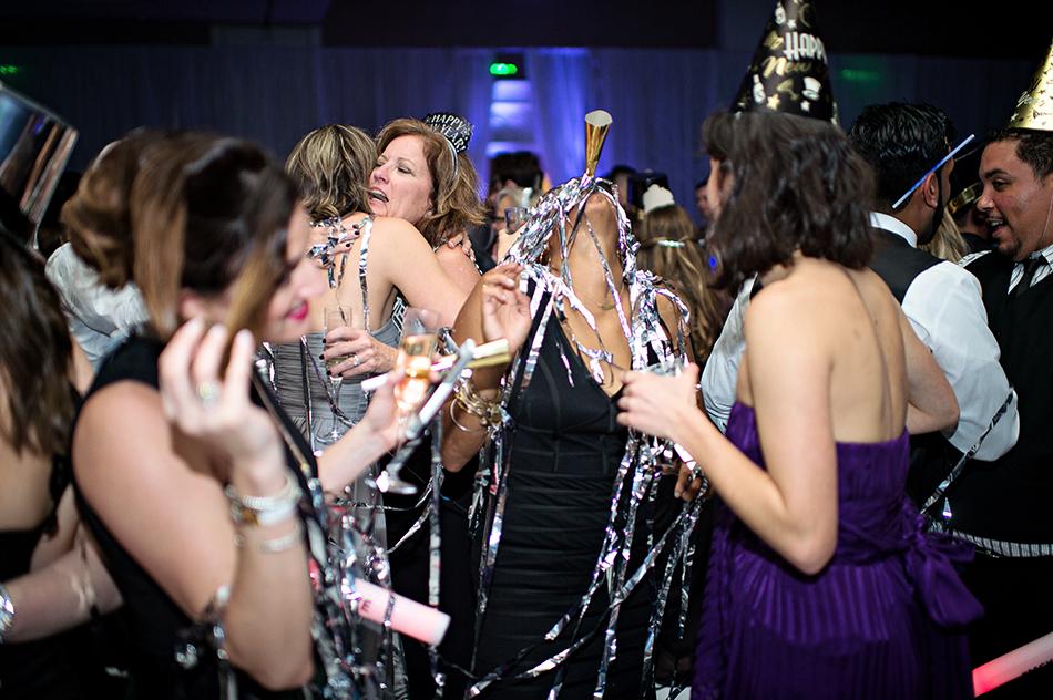 new years eve wedding confetti