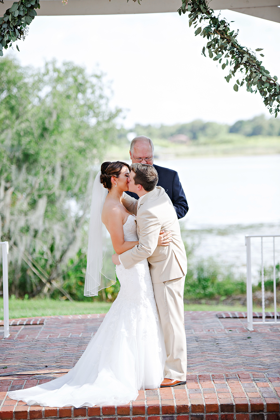 just married first kiss