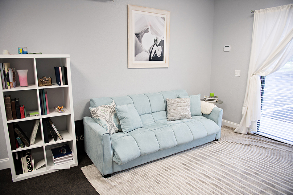 kristen weaver photography couch