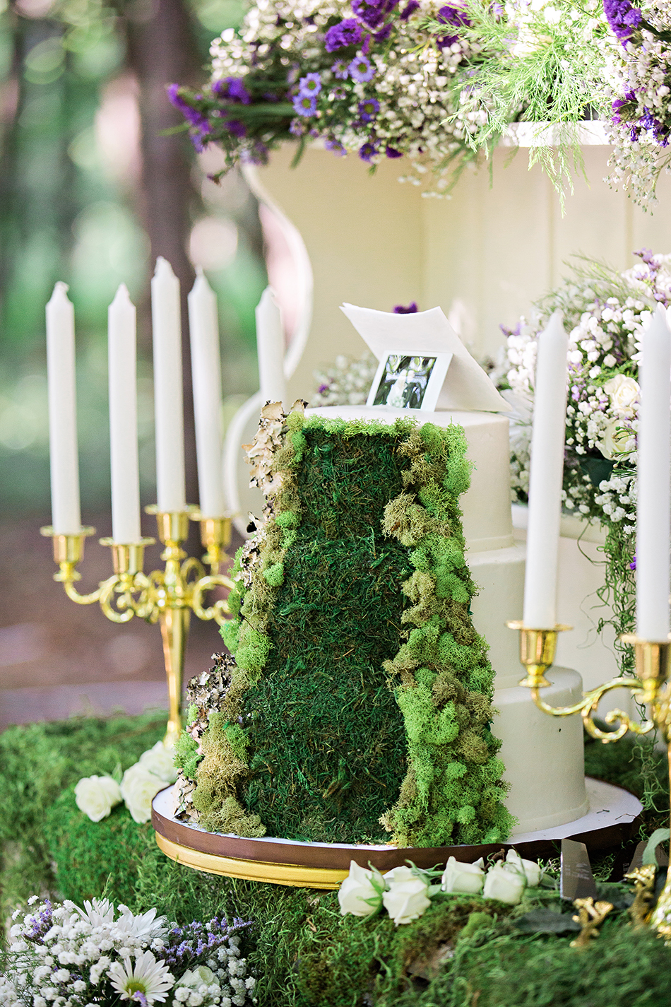 woodland wedding cake, green moss wedding cake
