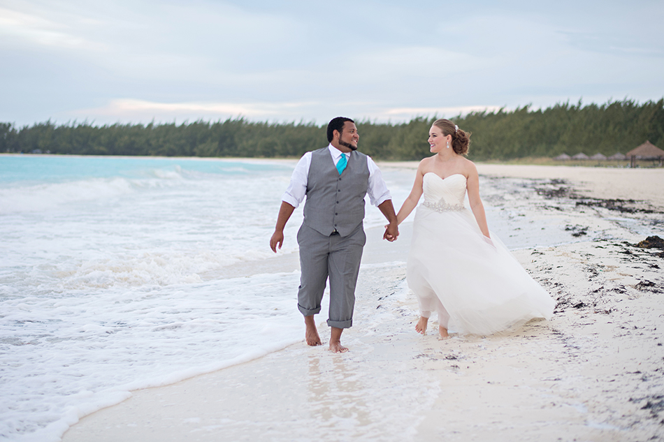 Bahamas bride and groom