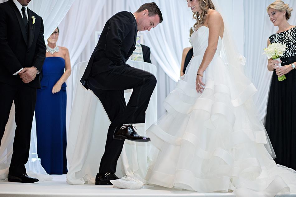 indoor jewish wedding ceremony