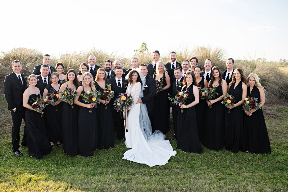 huge wedding party photo ideas