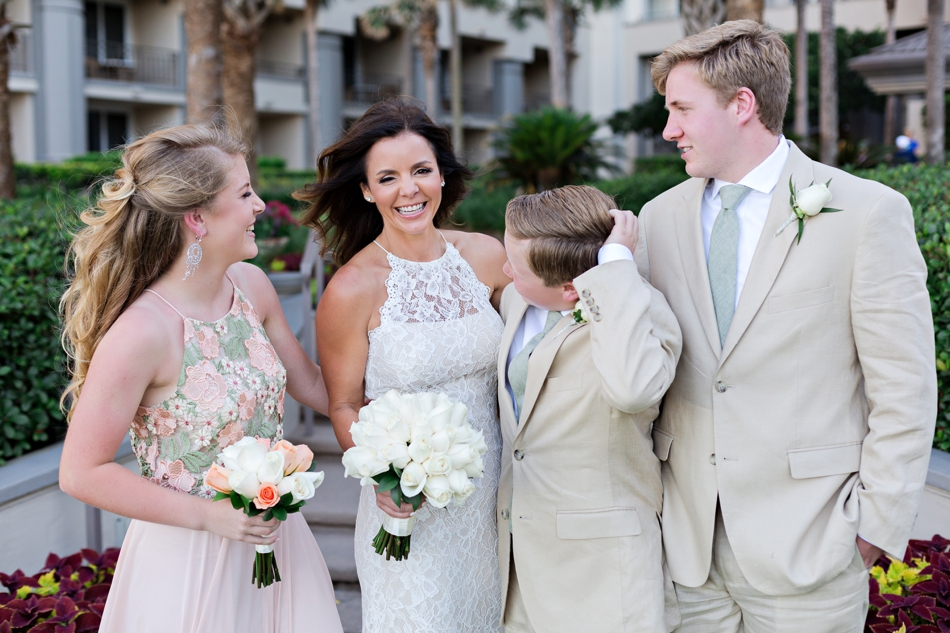 photos to take with your kids on your wedding day
