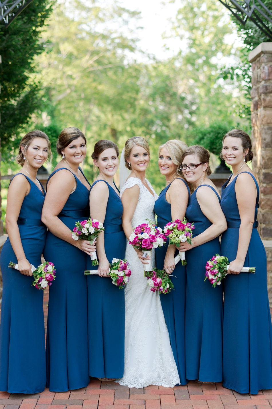 must have photos with bridesmaids