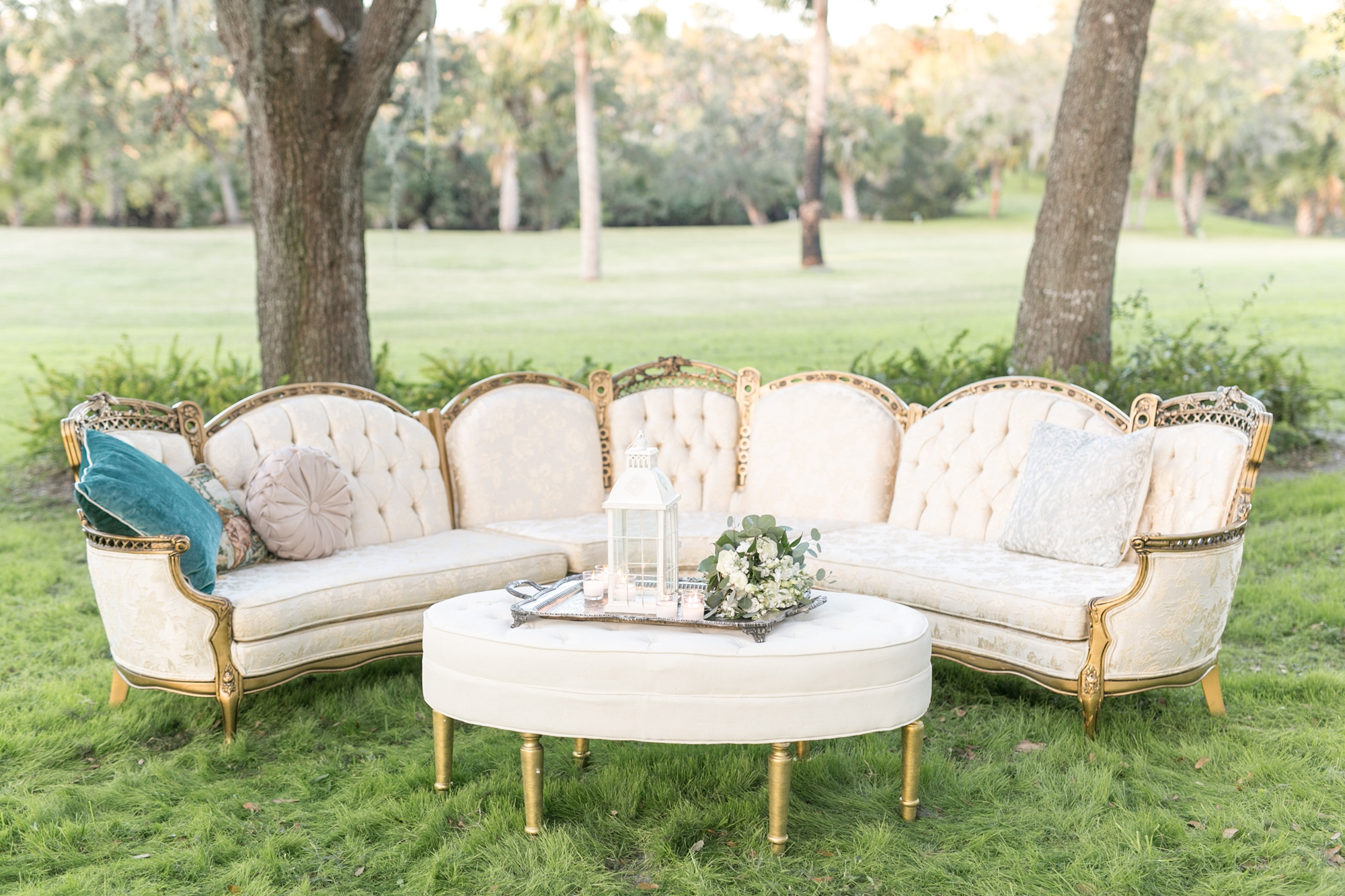 vintage sofa at wedding