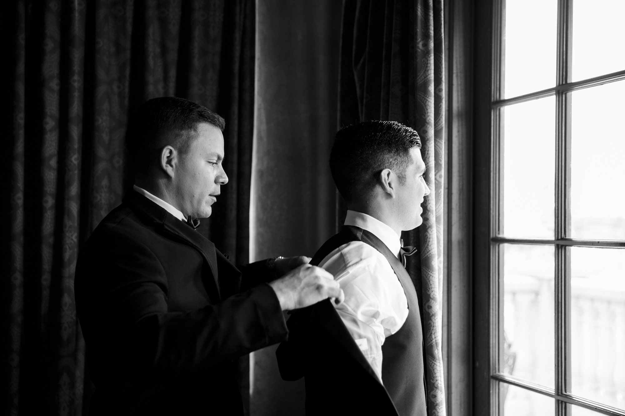 groom gets ready at bella collina
