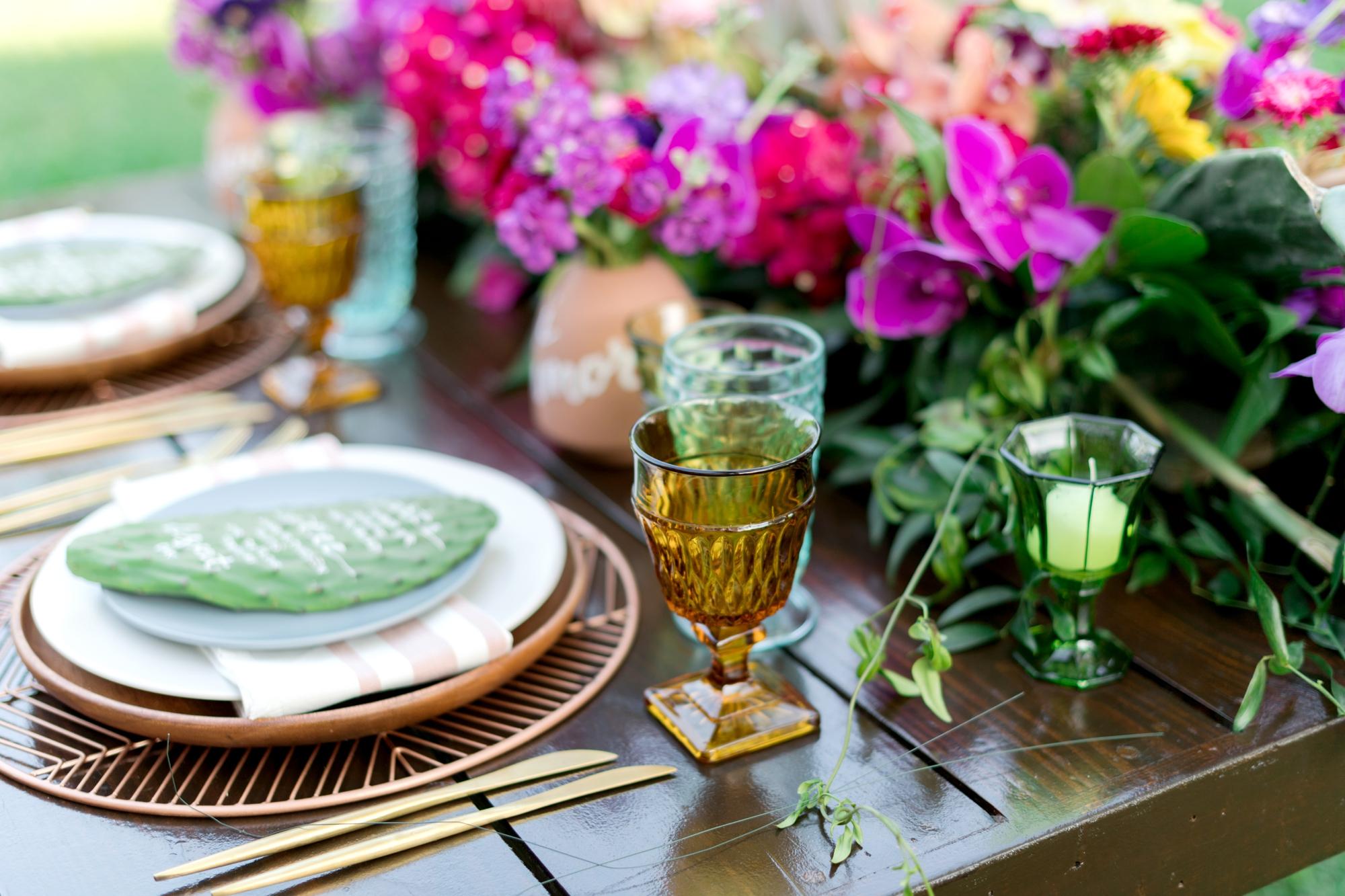 vintage dishware for wedding - vintage rentals - treasury rentals