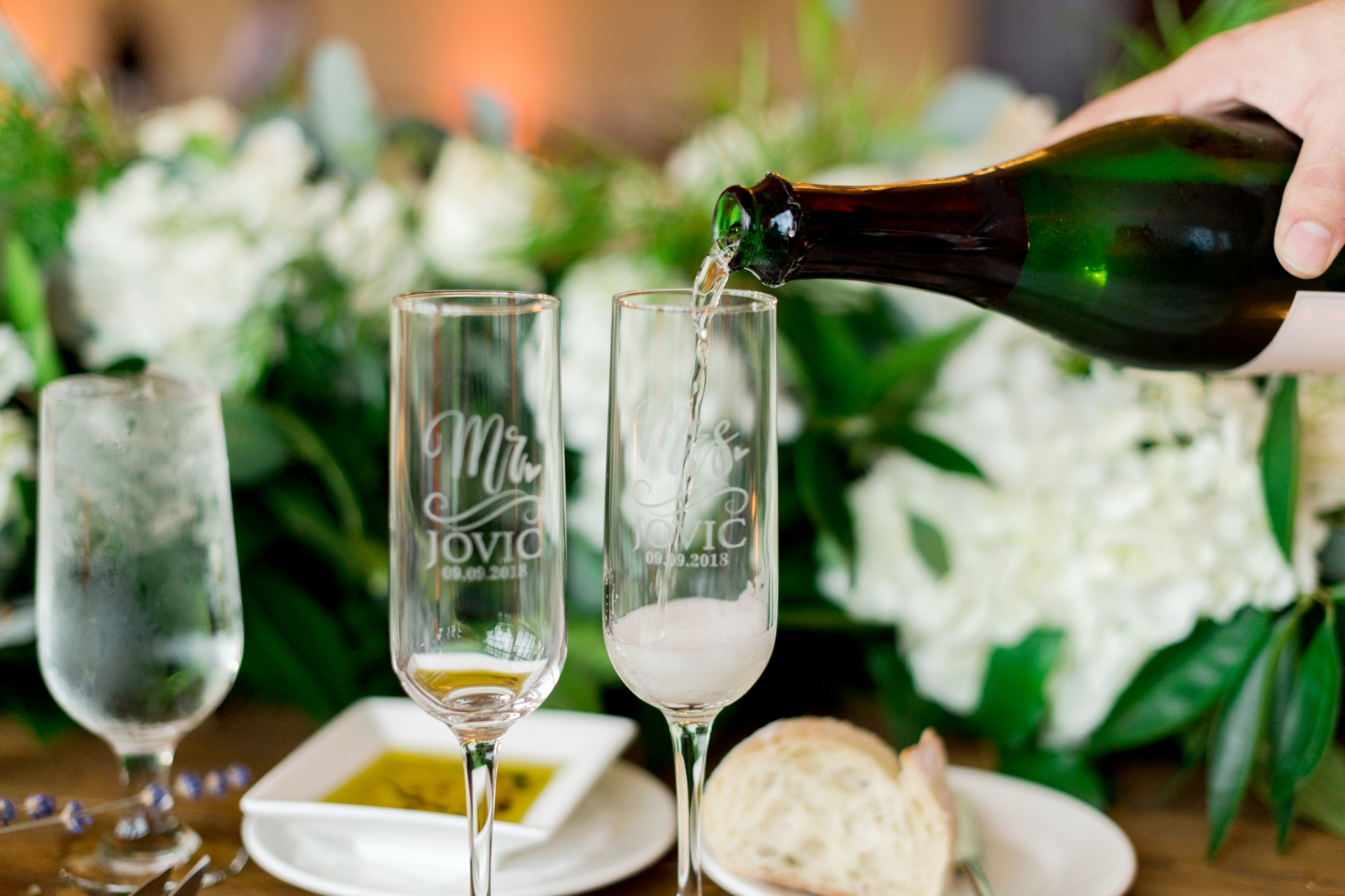 mr and mrs personalized champagne glasses