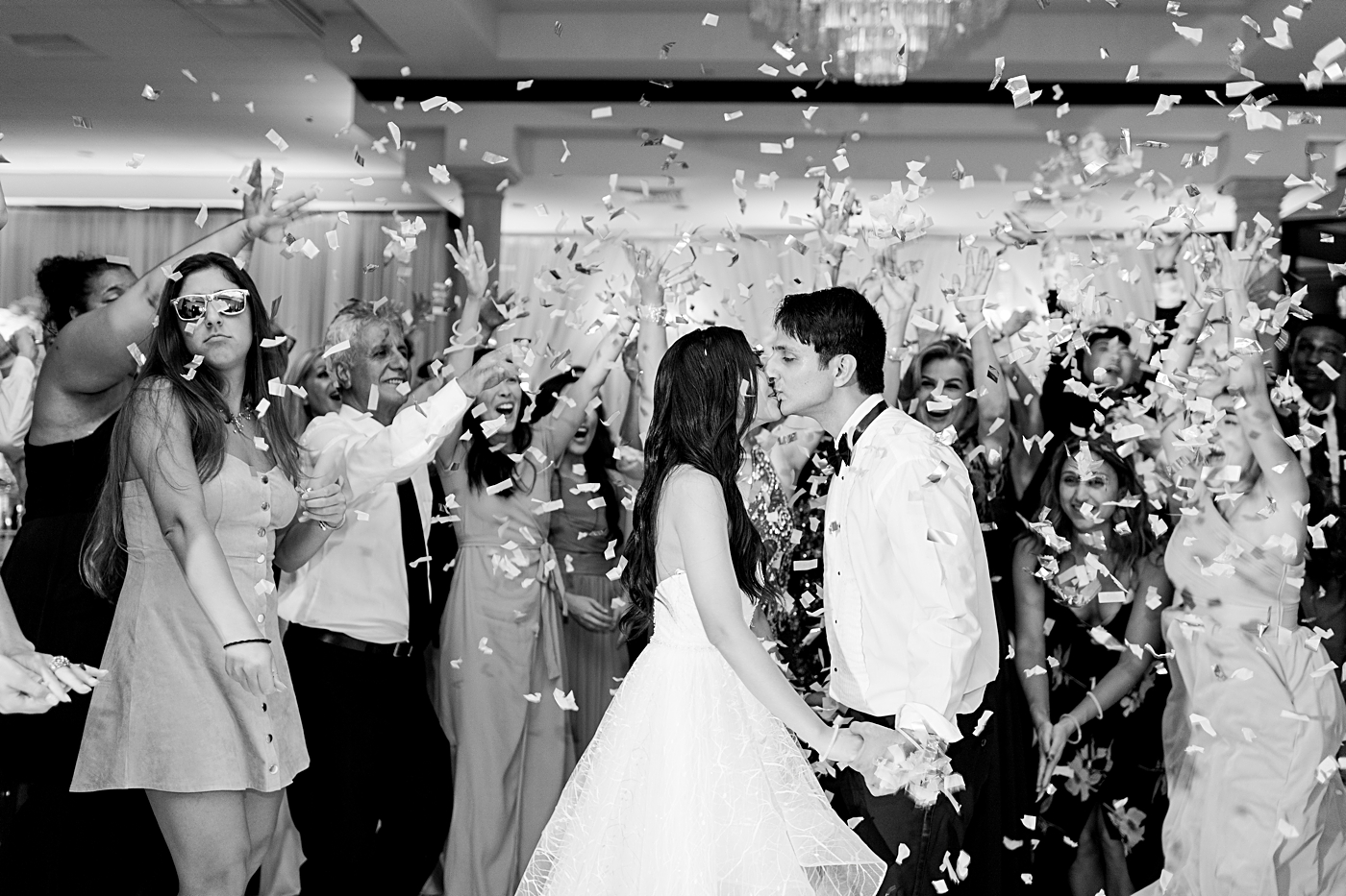 reception confetti photos