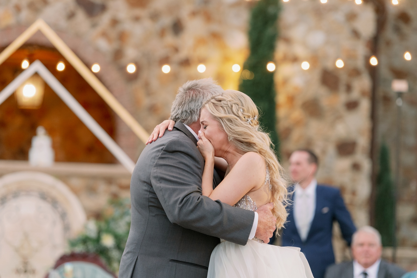 emotional dance bride and dad